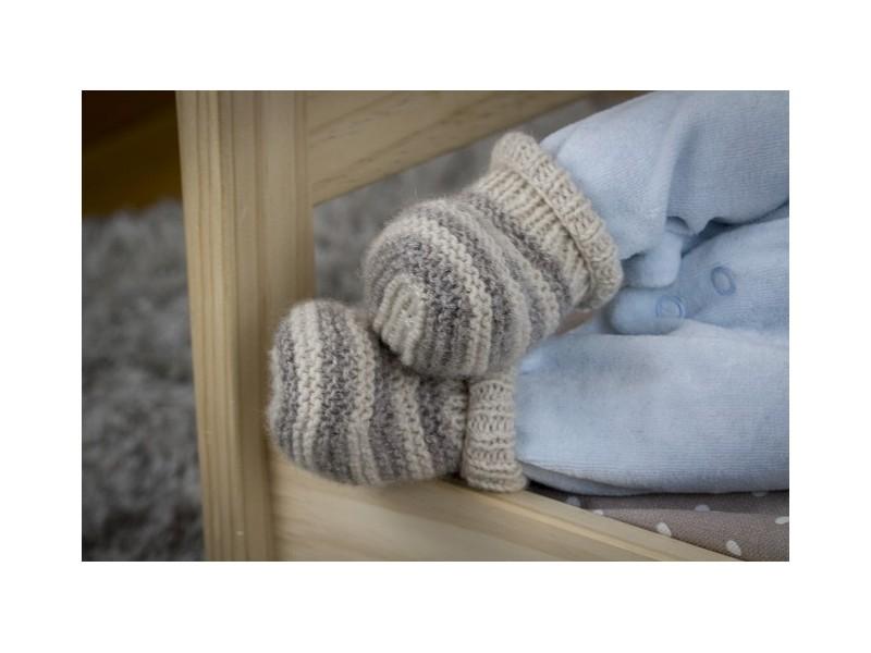 c1f9383b26351 Bulle Bicolore  Bonnet cachemire tricoté main pour bébé  Layette en cachemire  pour bébé. chaussons Bulle Bicolore ...